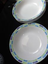4 X CEREAL / SOUP BOWLS BLUE AQUA & GREEN DESIGN RIM GREAT CONDITION